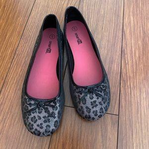 Smart Fit Black & Silver Animal Print Shoes